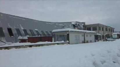 Fabbrica dismessa a causa del terremoto e della neve